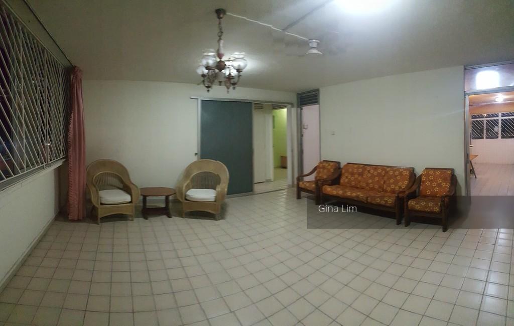 602 Hougang Avenue 4