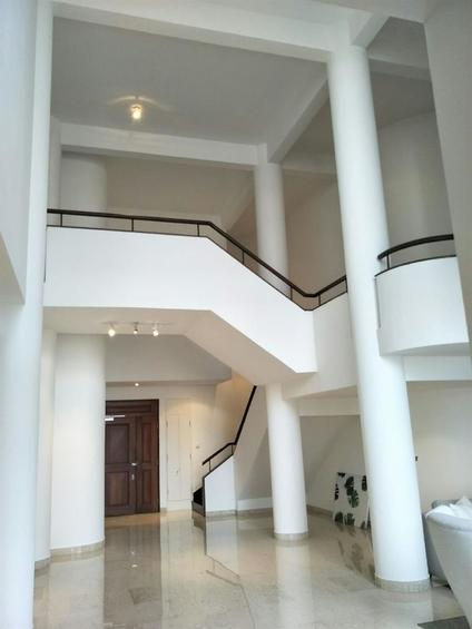 Colonnade Apartment