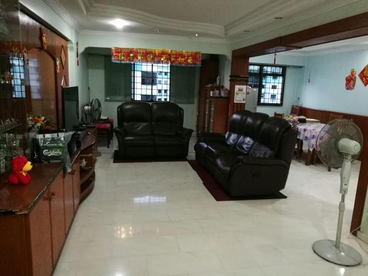 325 Sembawang Crescent