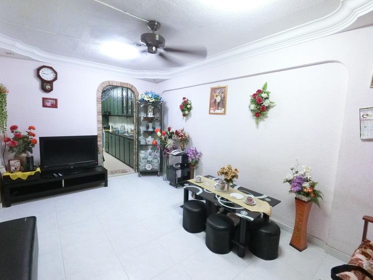 625 Hougang Avenue 8