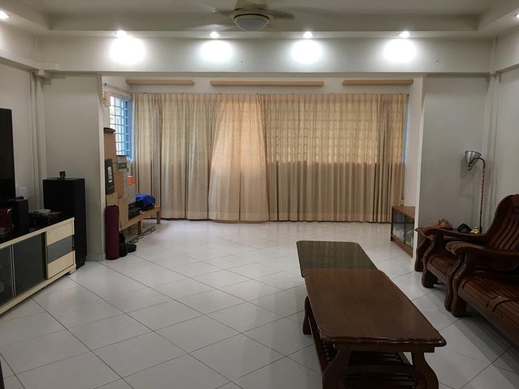 640 Hougang Avenue 8