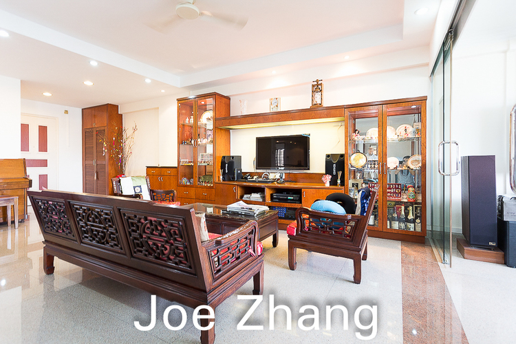 654 Woodlands Ring Road