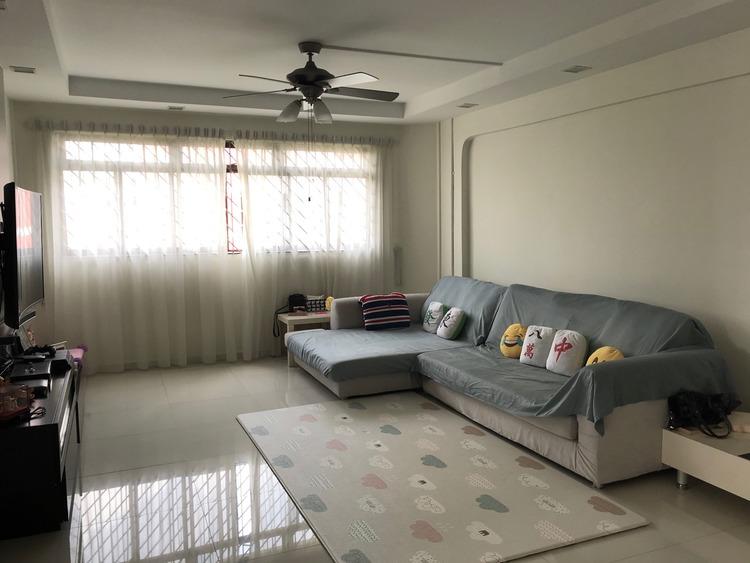212 Jurong East Street 21