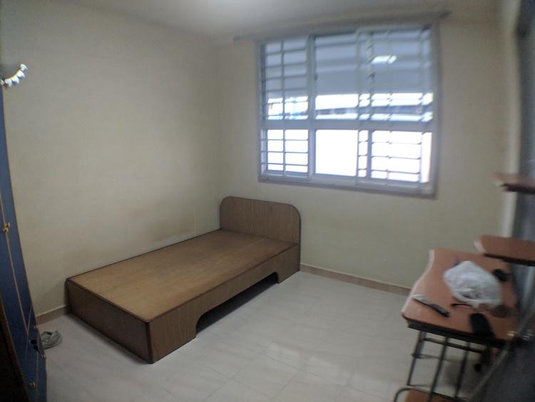 676 Hougang Avenue 8