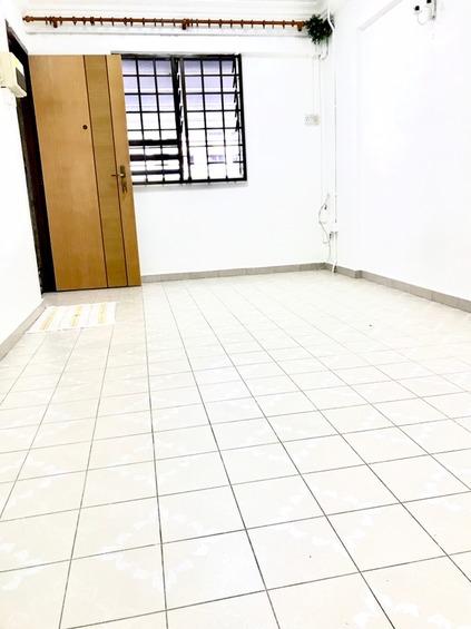 208 Jurong East Street 21