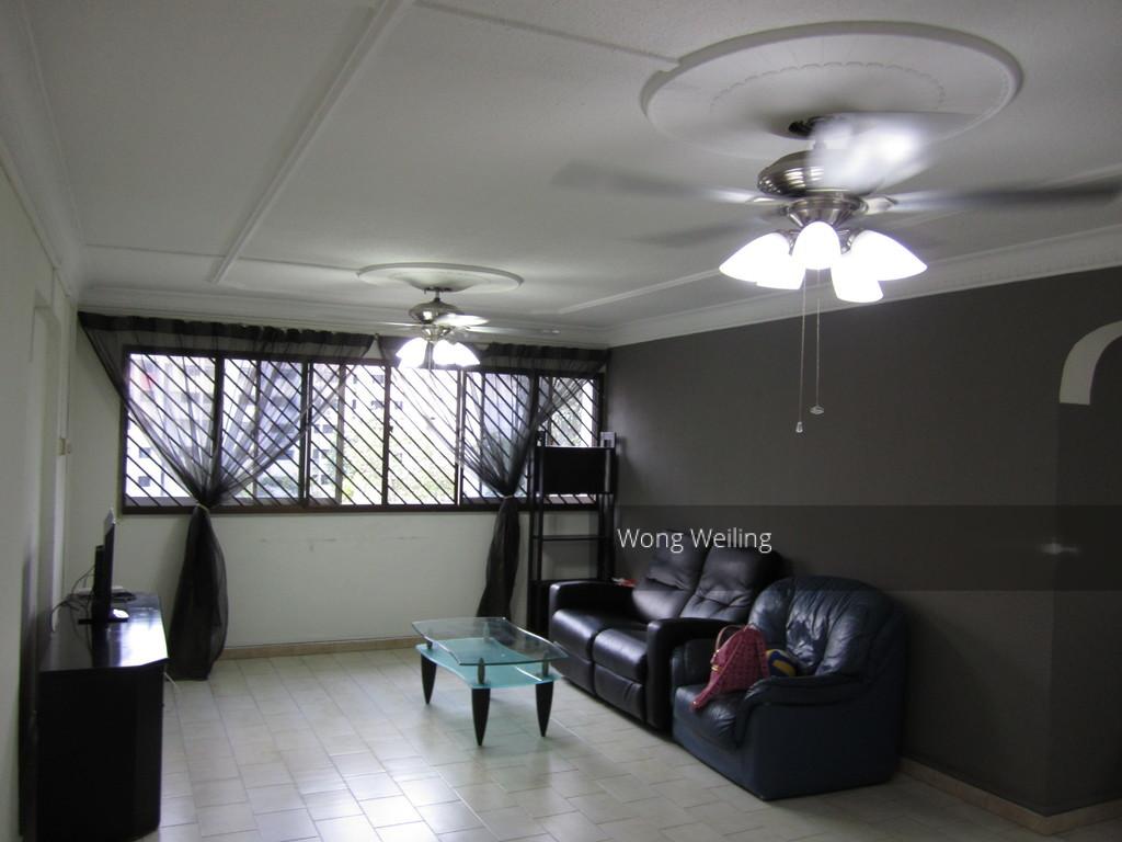 102 Jalan Dusun