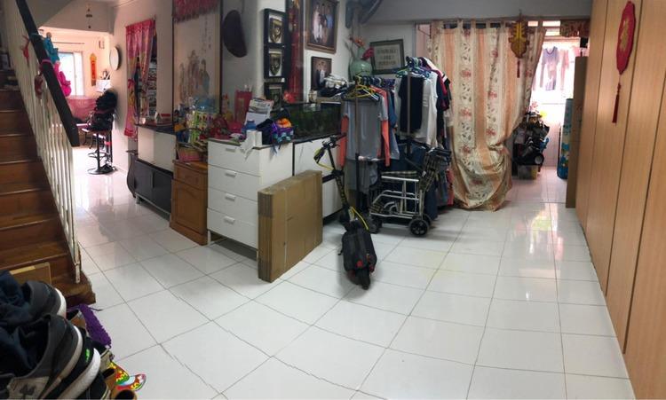 895 Tampines Street 81