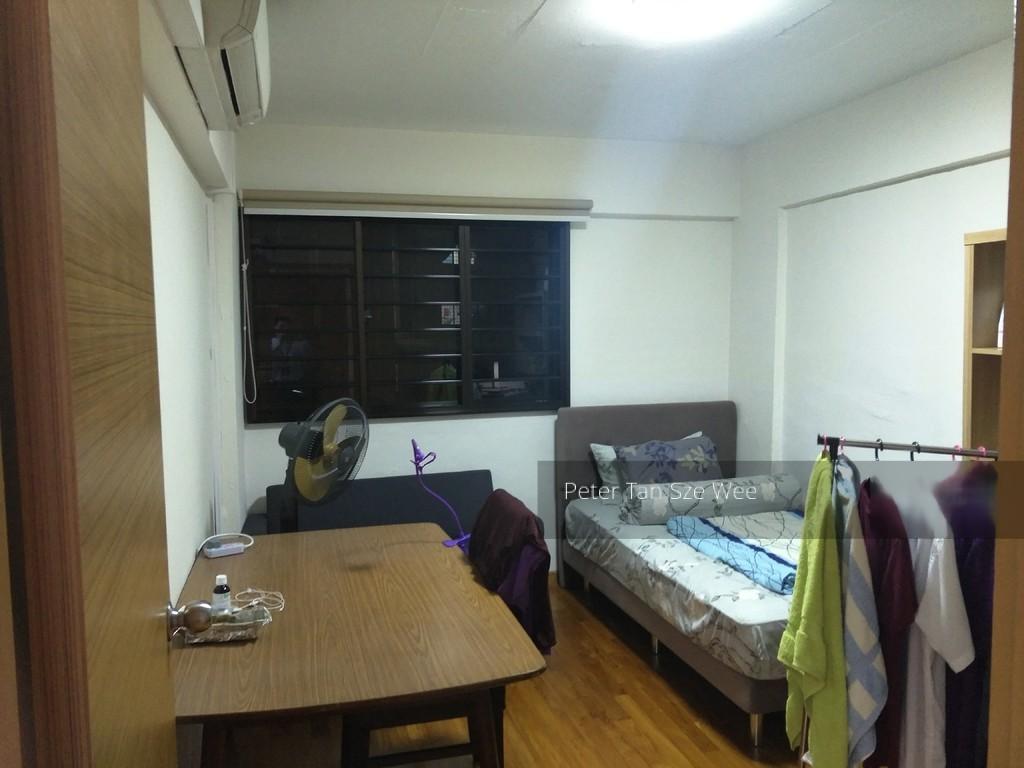402 Hougang Avenue 10