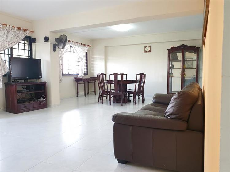 456 Hougang Avenue 10