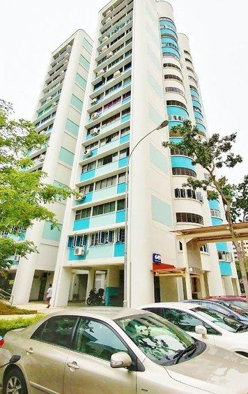 649 Hougang Avenue 8