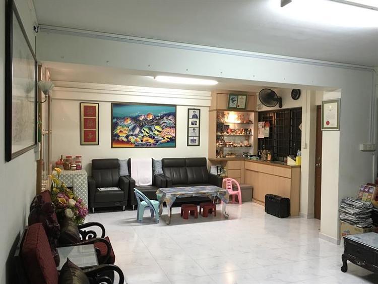 361 Hougang Avenue 5