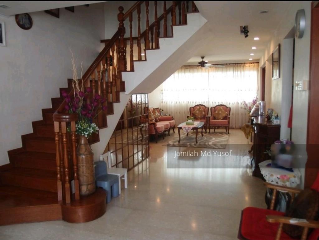 943 Tampines Avenue 5