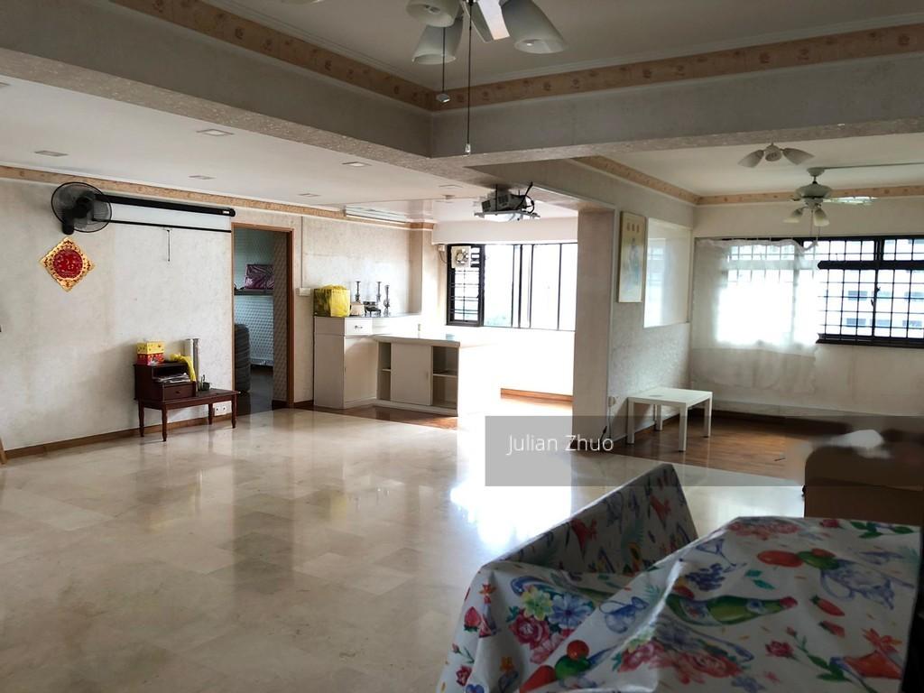 578 Hougang Avenue 4