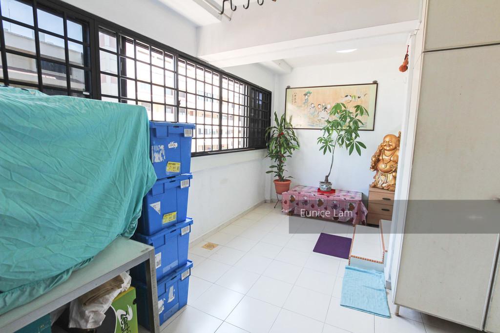 352 Hougang Avenue 7
