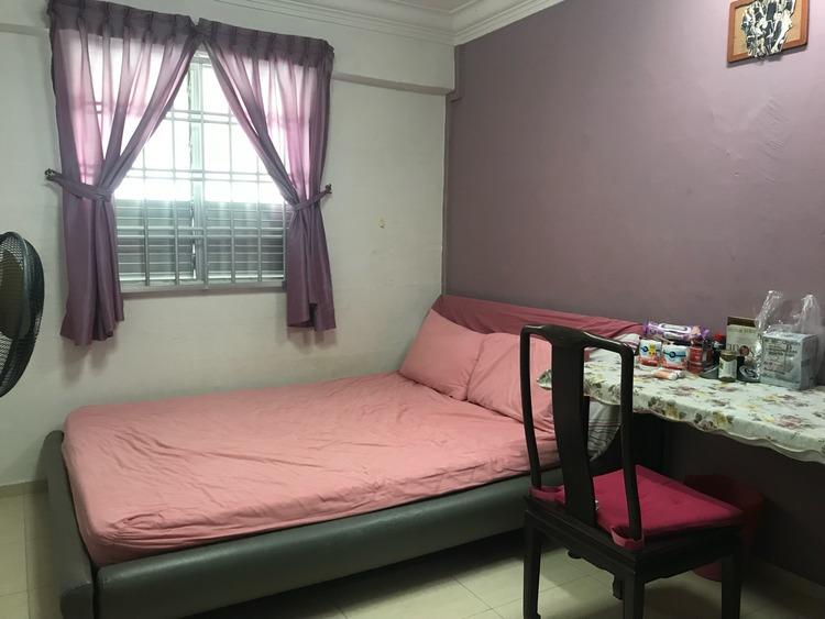 327 Hougang Avenue 5