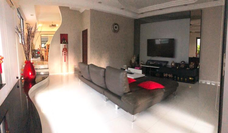 Liria Terrace
