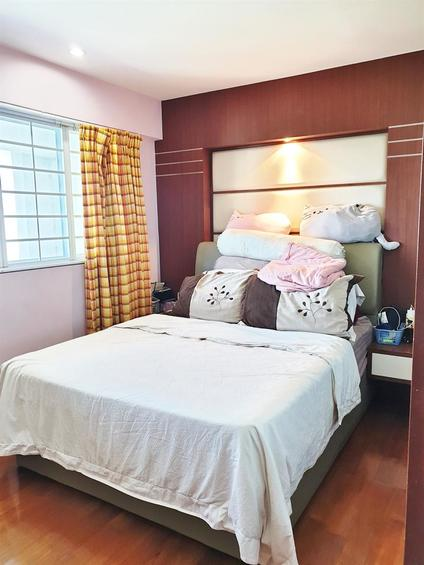 HDB Executive Maisonette For Sale in 151 Tampines Street 12, 99-Year