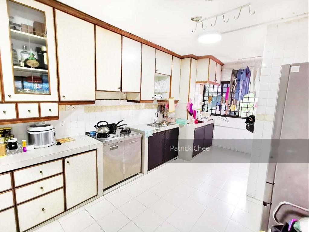 712 Hougang Avenue 2