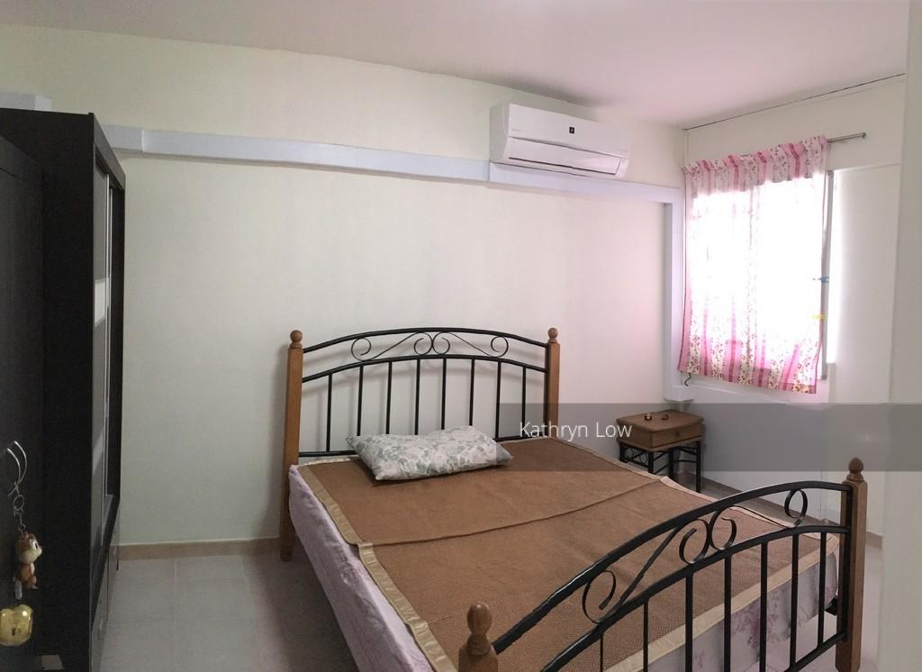404 Hougang Avenue 10