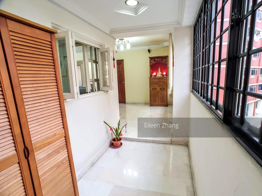 359 Hougang Avenue 5
