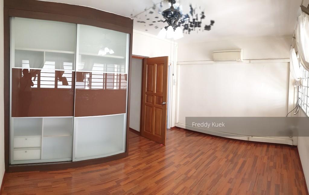 647 Hougang Avenue 8