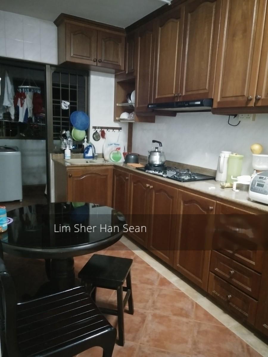 326 Sembawang Crescent
