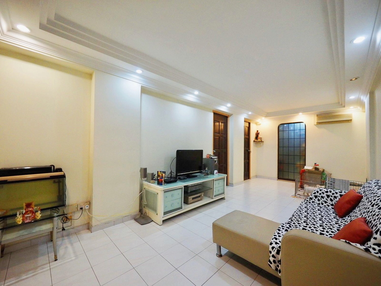 623 Hougang Avenue 8