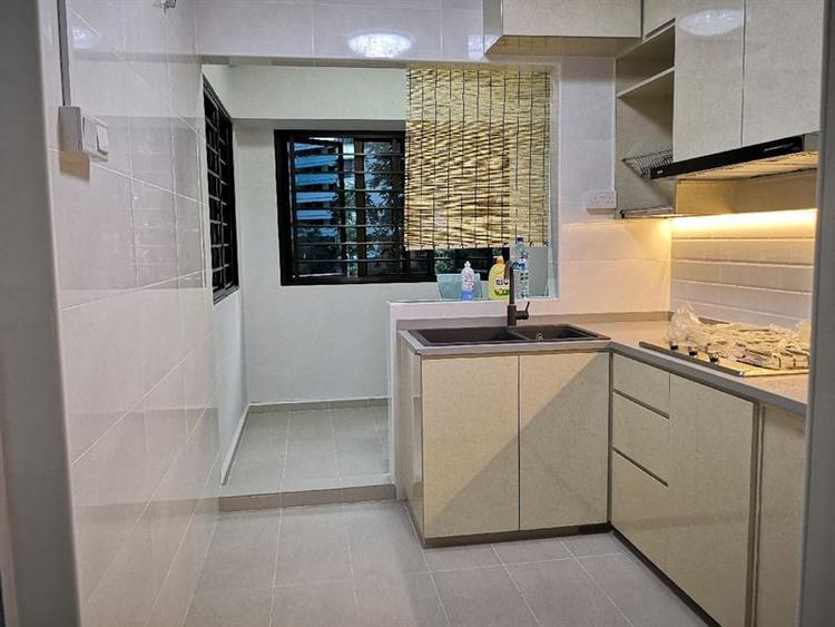 319 Sembawang Close