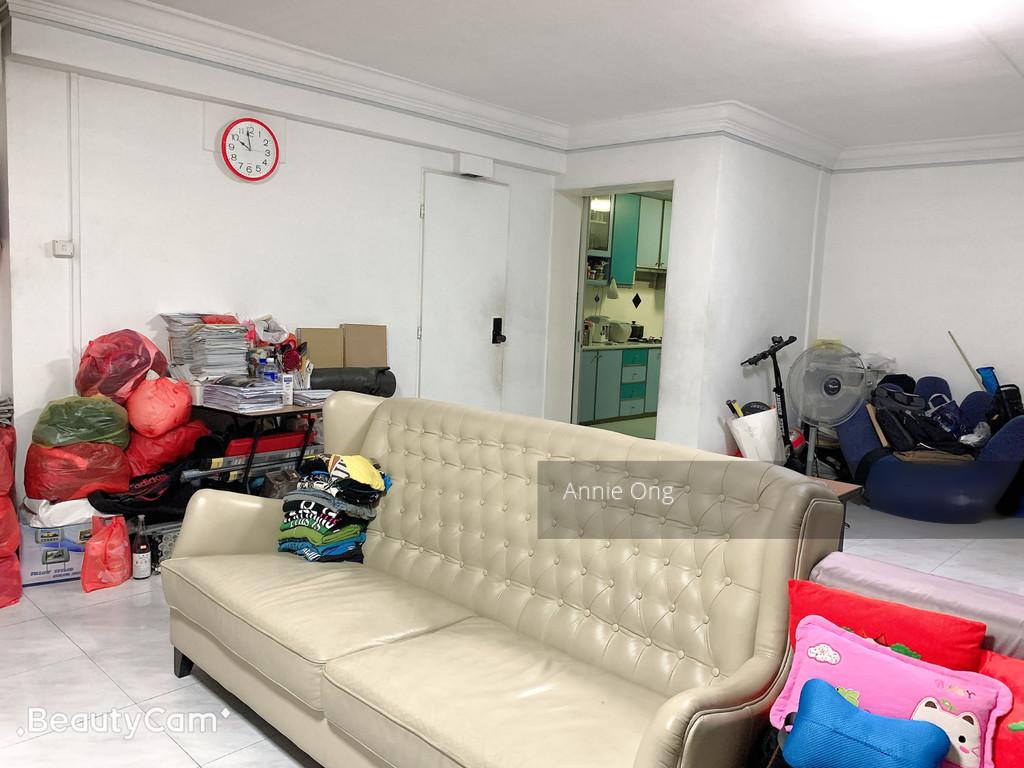 960 Hougang Avenue 9