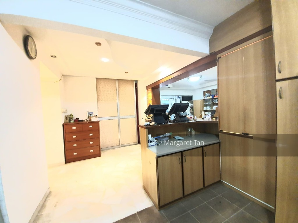 366 Woodlands Avenue 5