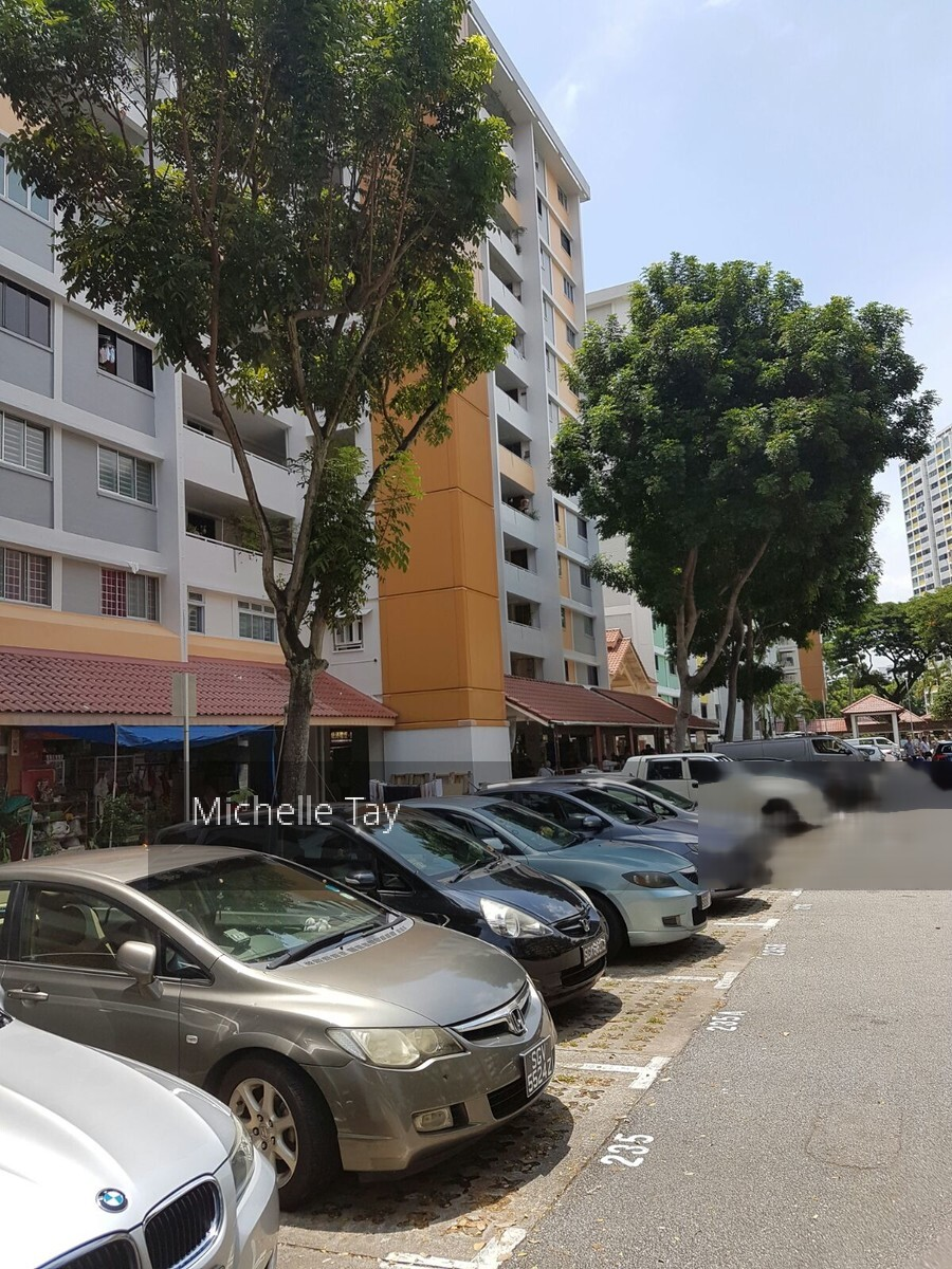 Ang Mo Kio Avenue 10 (D20), Shop House #249843701