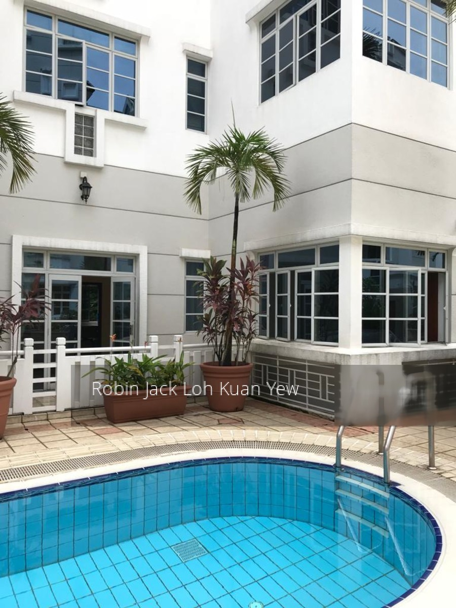 Pinetree Condominium
