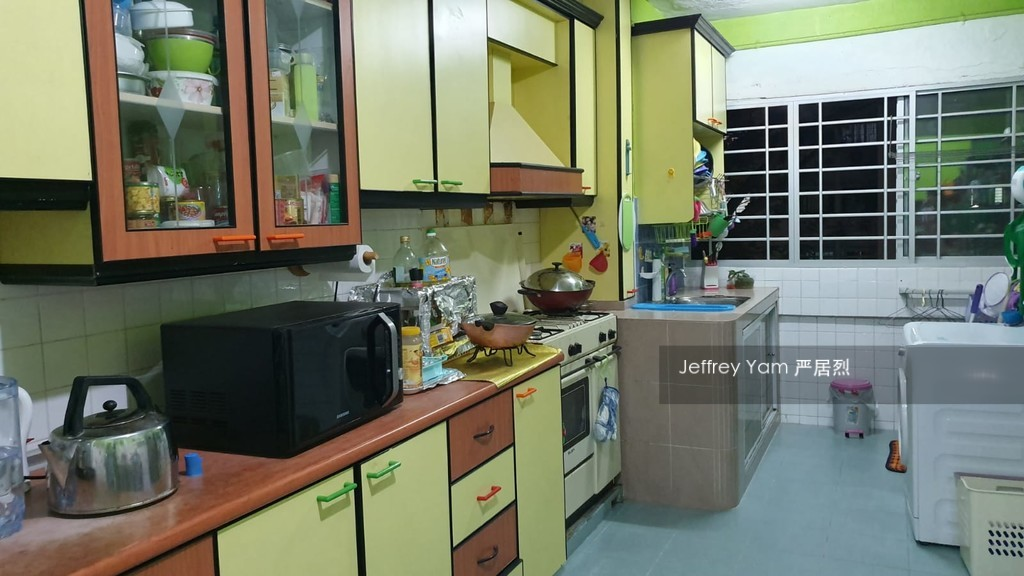 273 Tampines Street 22