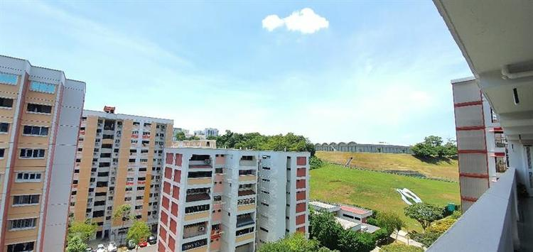 Bukit Batok Street 51 thumbnail photo