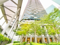Marina Bay Suites photo thumbnail #17