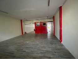 Big retail space with loading and unloading  (D15), Shop House #250140211