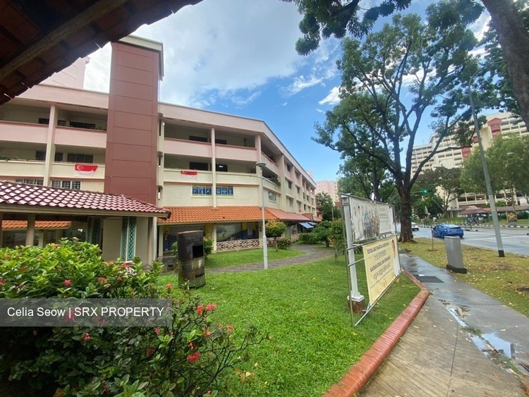 301 Serangoon Avenue 2 (D19), Shop House #275996191