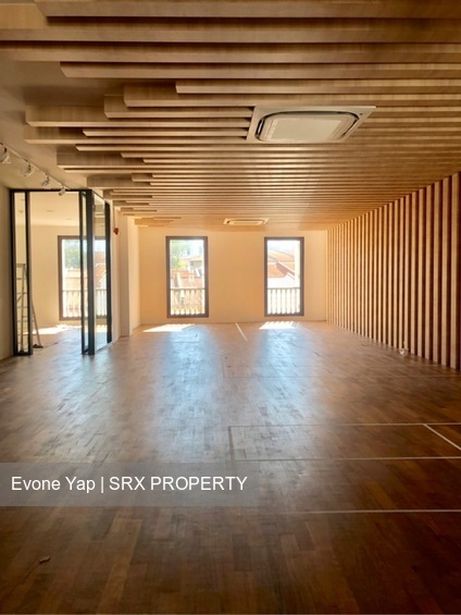 Beautiful Shophouse Office 4628sqft Serve with Elevator (D2), Office #253643881