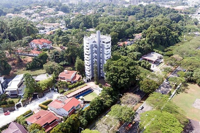 Margate Point, Holland Tower put up for en bloc sale