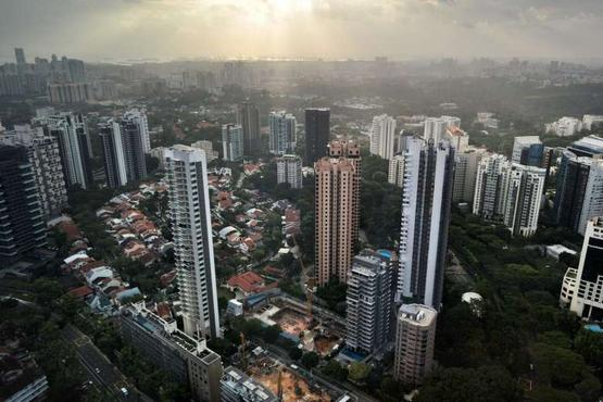 Private apartment rents fall again