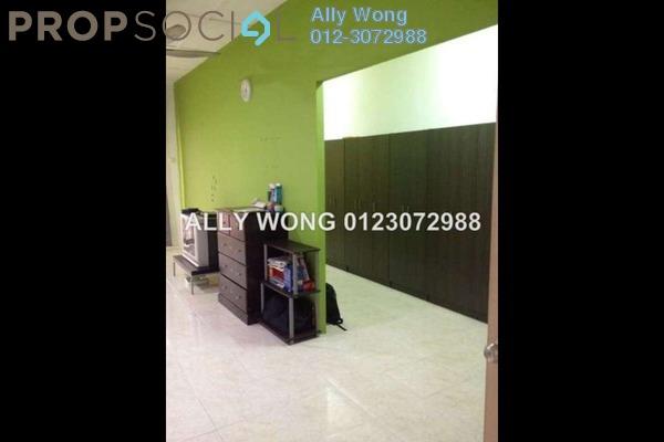 For Sale Terrace at Bandar Nusaputra, Puchong Leasehold Semi Furnished 4R/3B 679k