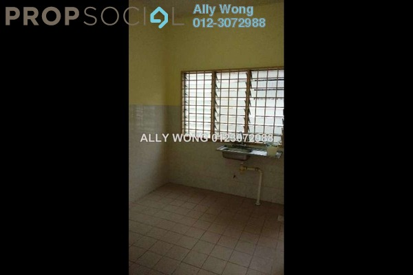 For Sale Terrace at PU8, Bandar Puchong Utama Freehold Semi Furnished 4R/3B 499k