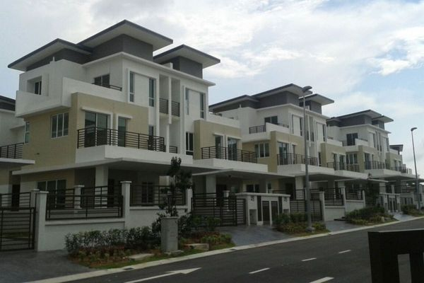 For Sale Semi-Detached at Regency Parc, Rawang Leasehold Unfurnished 6R/6B 1.1m
