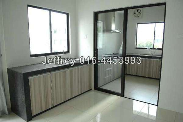 For Rent Semi-Detached at Jade Hills, Kajang Freehold Semi Furnished 5R/6B 4.5k