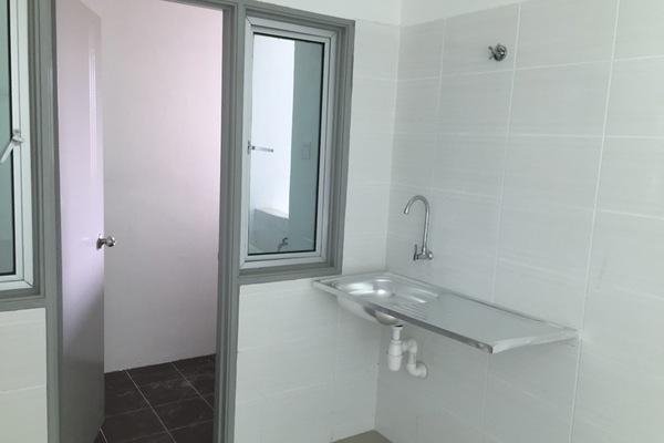 For Sale Condominium at Silk Residence, Bandar Tun Hussein Onn Freehold Unfurnished 3R/2B 399k