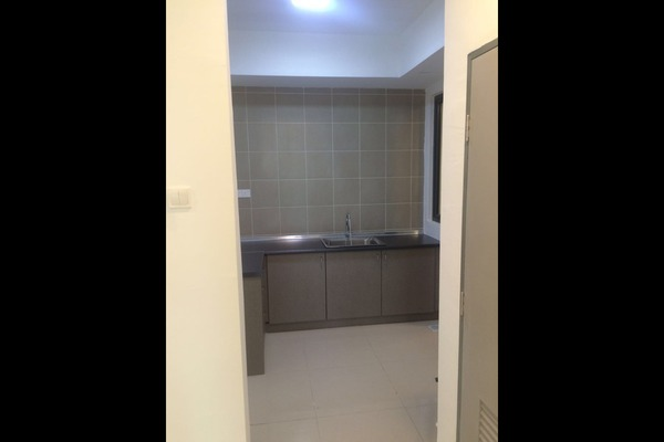 For Rent Condominium at KL Palace Court, Kuchai Lama Leasehold Semi Furnished 2R/2B 2k