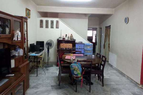 For Sale Terrace at USJ 12, UEP Subang Jaya Freehold Semi Furnished 3R/2B 749k