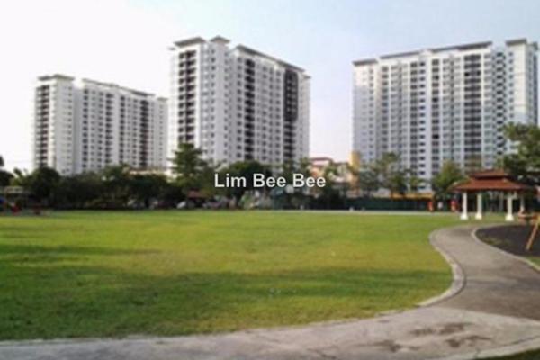 For Sale Condominium at Park Avenue, Damansara Damai Leasehold Semi Furnished 4R/2B 650k