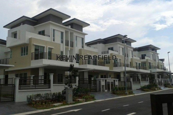 For Sale Semi-Detached at Regency Parc, Rawang Leasehold Unfurnished 5R/6B 950k