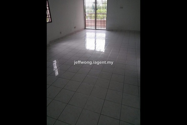 For Sale Condominium at Pelangi Damansara, Bandar Utama Leasehold Semi Furnished 3R/2B 550k